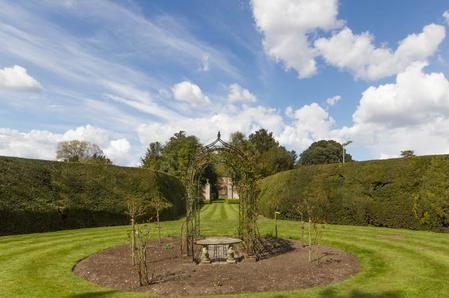 Wedding - gardens